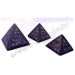 Pirámides Granito Negro