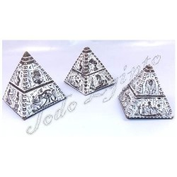 Pirámides Luxor Gris